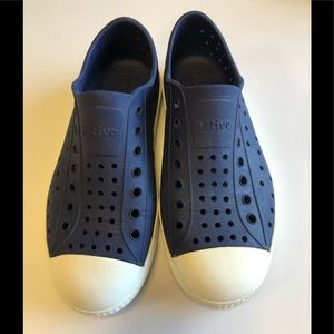 Native Shoes Size J2